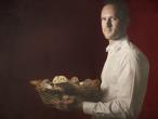 Garçon avec une corbeille de pain, Evaristo Baschenis 1655